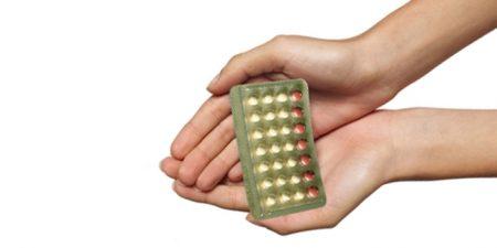 Bắt đầu uống thuốc tránh thai hàng ngày khi không có kinh có được không?