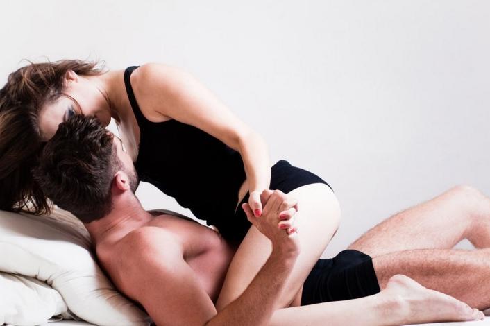 Quan hệ lần đầu có thể có thai bình thường