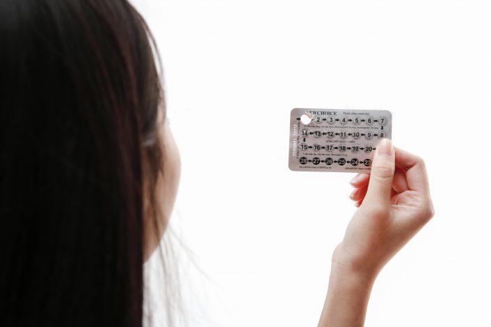 Dùng thuốc tránh thai có thể có tác dụng phụ