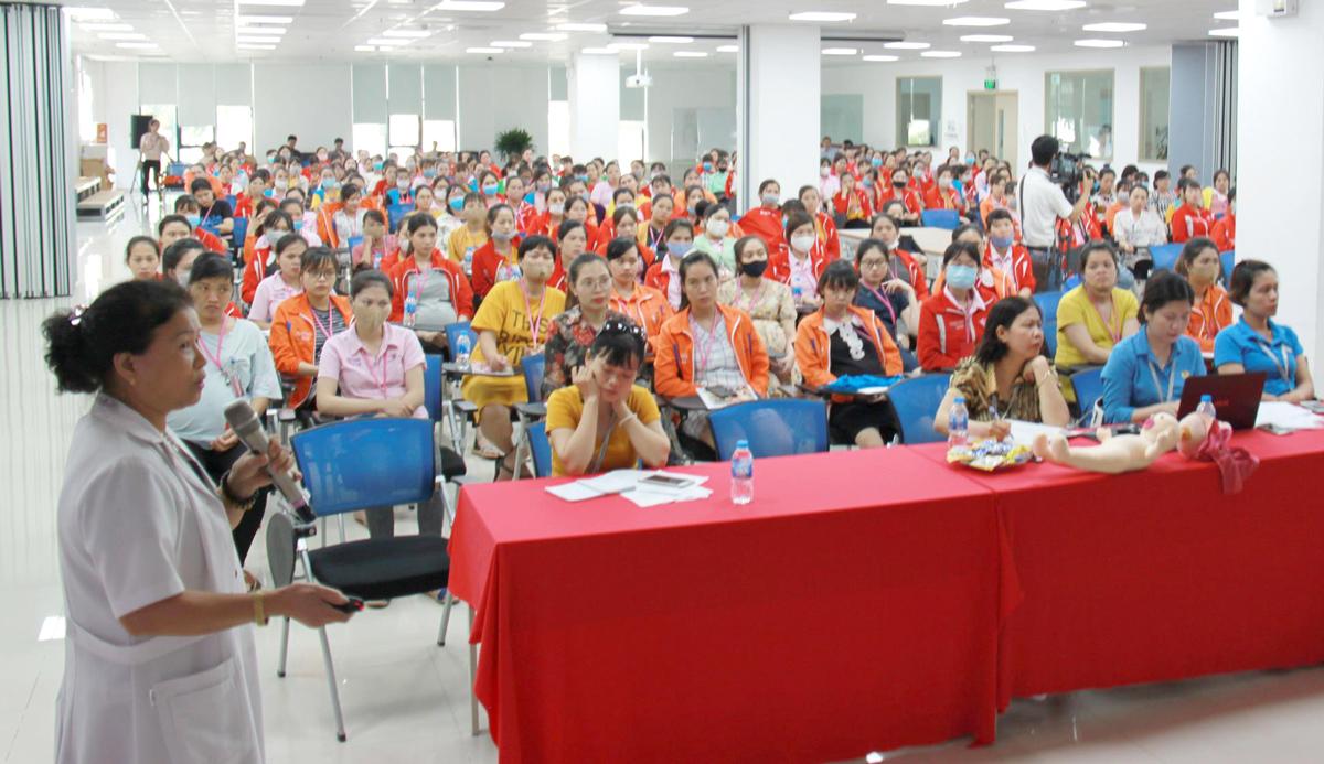 Gần 1.800 NLĐ được truyền thông về chăm sóc sức khỏe trong tháng 6-2020 tại Hải Phòng