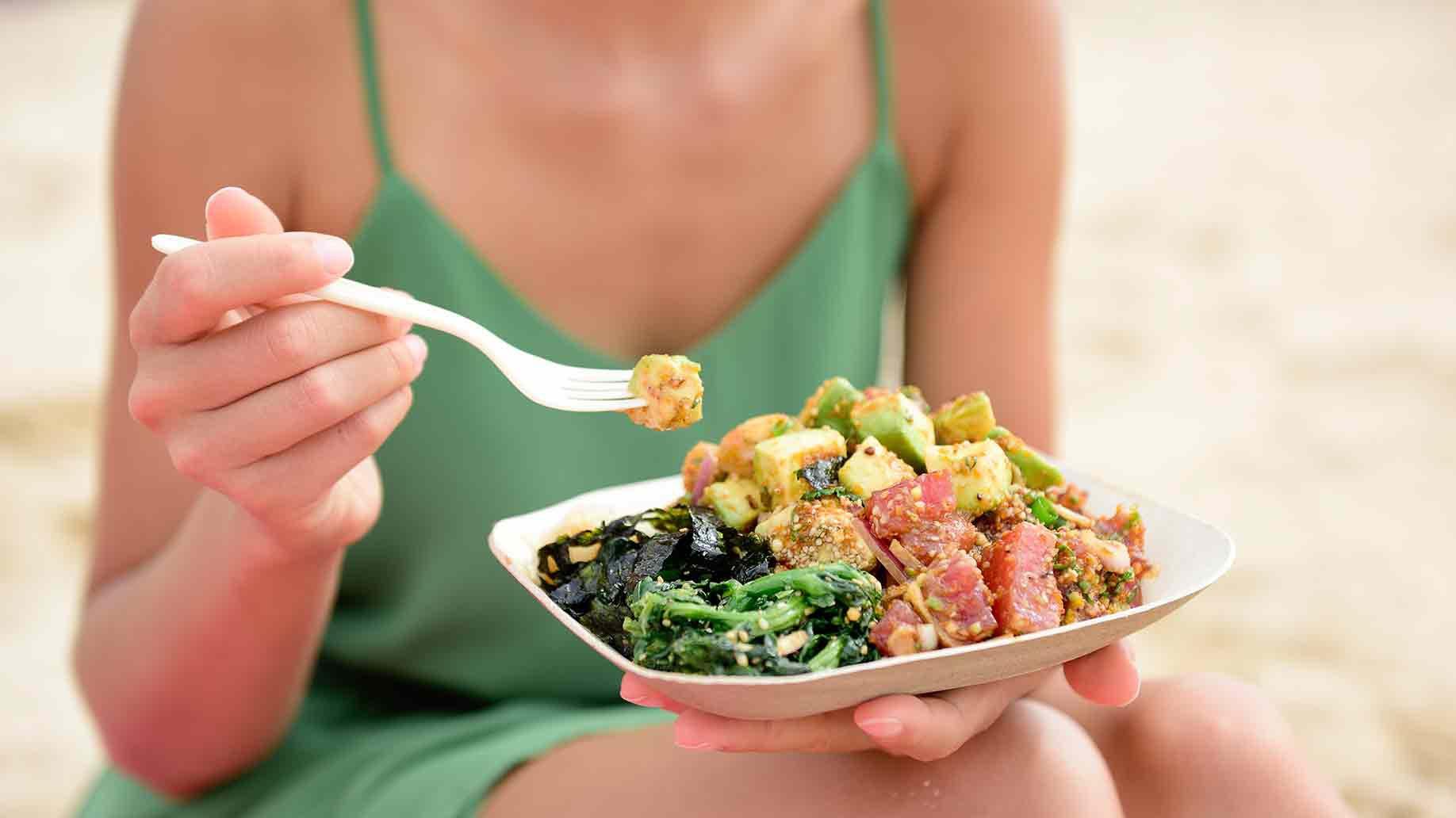 Chế độ ăn uống không đảm bảo chất dinh dưỡng khiến kinh nguyệt không đều