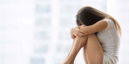 Nữ giới mệt mỏi, stress kéo dài là một trong những nguyên nhân gây vô sinh