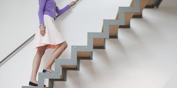 Không nên leo cầu thang, vận động mạnh sau sảy thai