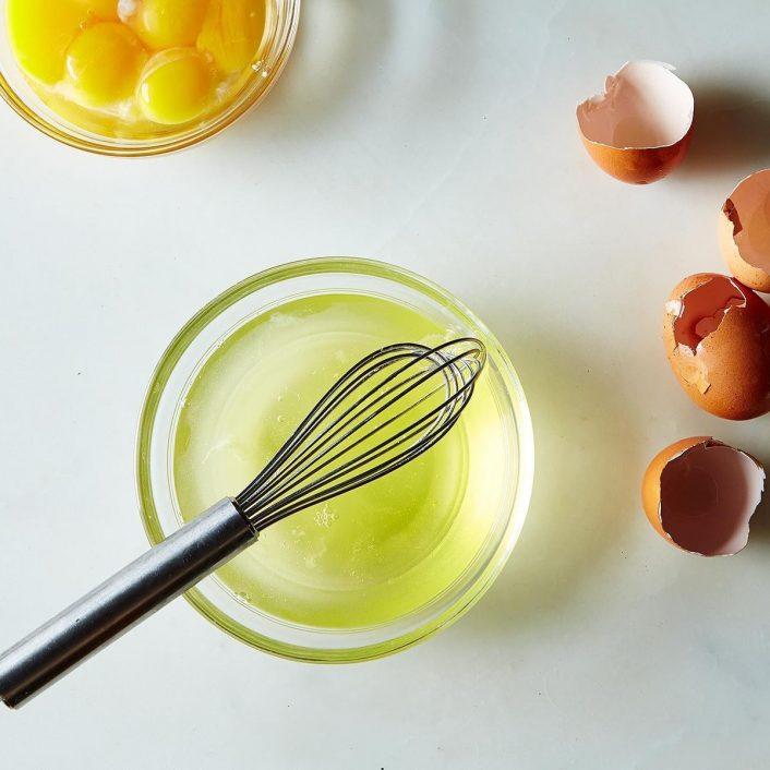Để phát huy hết công dụng của lòng trắng trứng gà bạn cũng cần phải biết cách thực hiện và sử dụng liều lượng phù hợp.