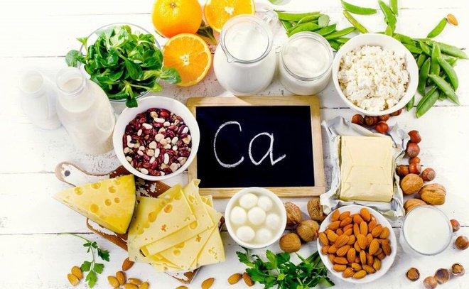 Canxi là khoáng chất hỗ trợ phát triển xương, răng, tim, cơ và dây thần kinh của em bé.