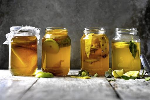 Kombucha là một loại trà lên men đã được tiêu thụ hàng nghìn năm về trước
